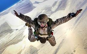 skydiving-678168__180